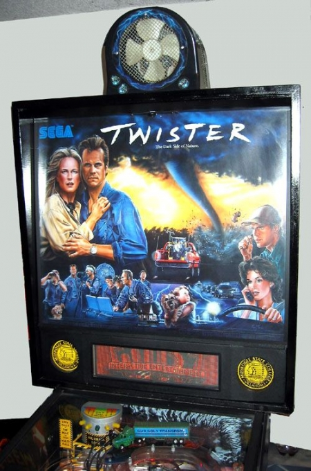 Twister_Topper