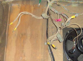 ce qui peut arriver si vous branchez les câbles de cavalier vers l'arrière raccorder un disjoncteur de 30 ampères